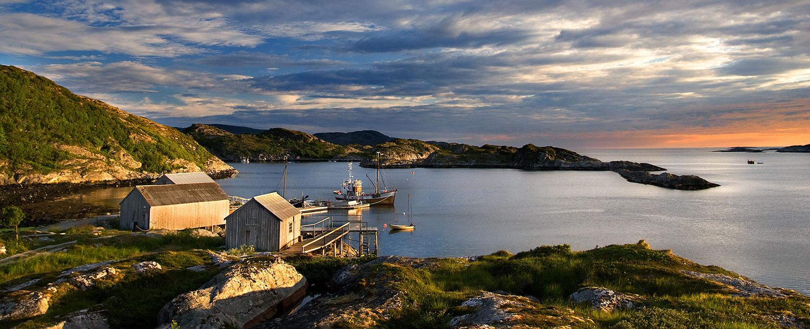 Brakstad Brygge på Jøa i Fosnes Namdalen, Trøndelag. Få turistinformasjon om Namdalen på visitnamdalen.com