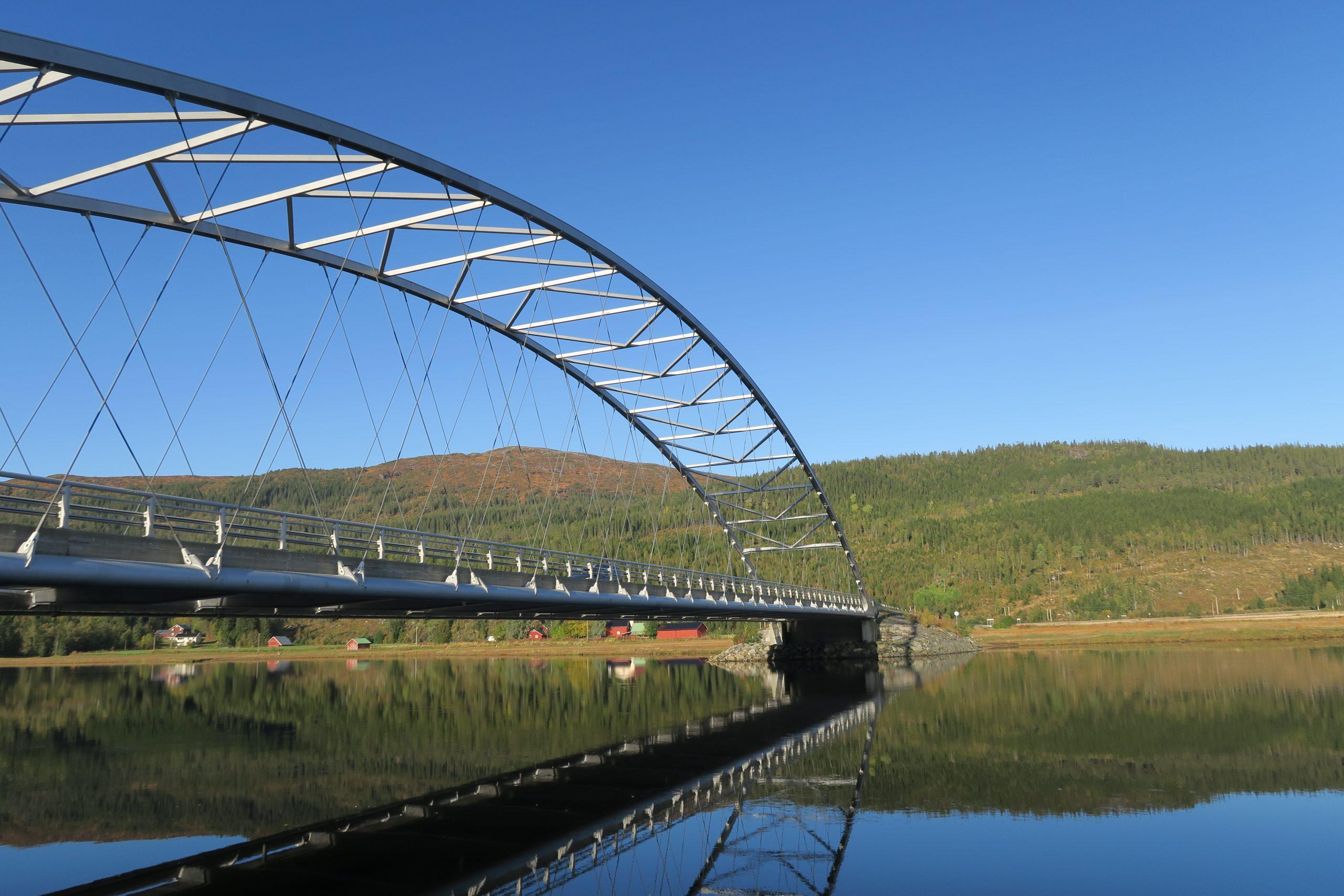 Bru Namdalseid, Flatanger. Illustrasjonsbilde bilferie, bobilferie i Namdalen, Trøndelag.